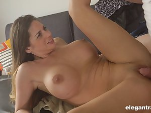 Good looking model Cathy Welkin fucked hard after a back knead
