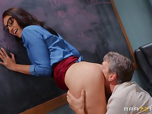 Deep anal for the sleazy girl sign in she gives head