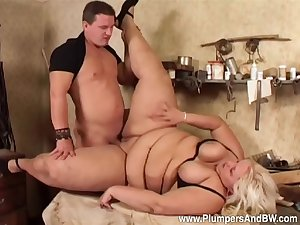 Man deep fucks the chubby aunt with an increment of cums on her tits