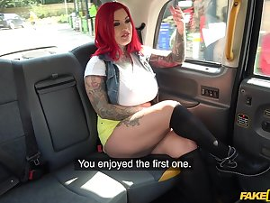 Chubby redhead Sabie DeMonia spreads her legs for a quickie in a taxi-cub
