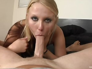Big butt blonde bitch, Kellie is drooling atop a gung-ho client's big cock, lend the webcam