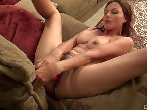 Solo woman plays with the big tits together with her new gewgaw