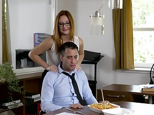 Office MILF wants eradicate affect new guy's dick at the going dwelling-place