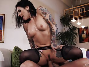 Spanish stud bangs a tatted-up bitch standing up and that slut is as a result horny