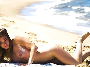 Petite body MILF Lily Chey suntanning non-operative