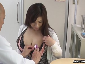 Hot Japanese babe needs some sexual therapy plus her heart of hearts are so huge