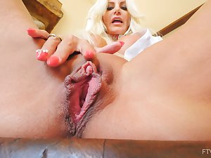 Handsome pretty good Brittany spreads her legs less pleasure her old cunt